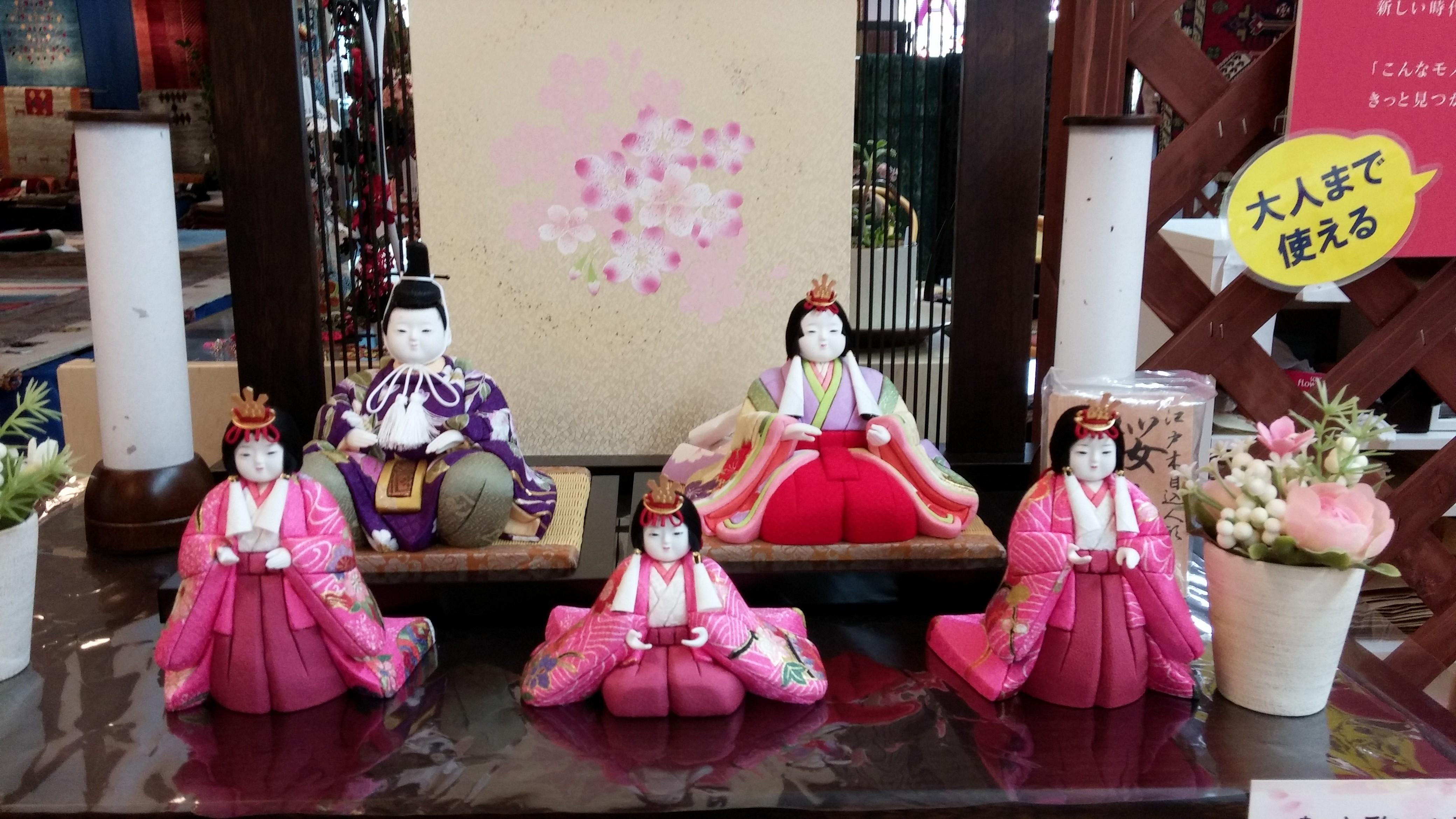 江戸木目込人形y作家 喜久絵さんの作品は愛らしく高級感が特徴です